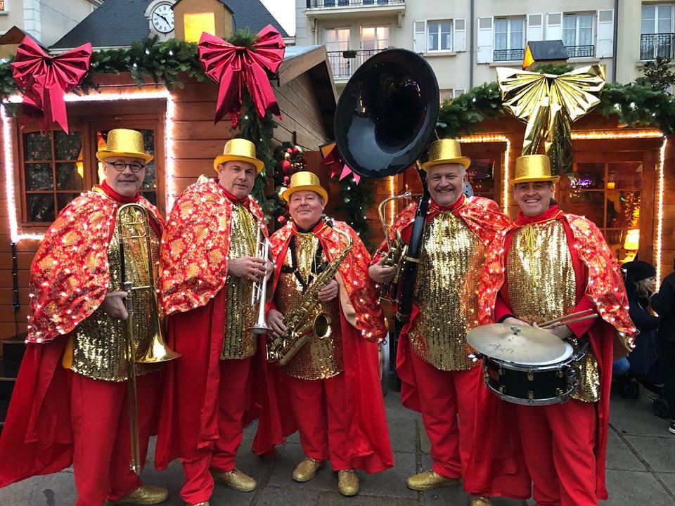 Parade de Noël; orchestre deambulation; chartres