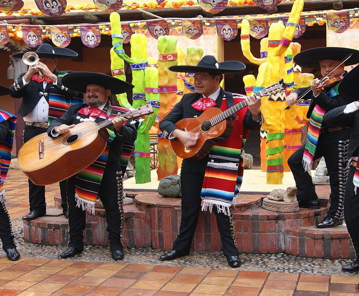 mariachis-musiciens-mexicains