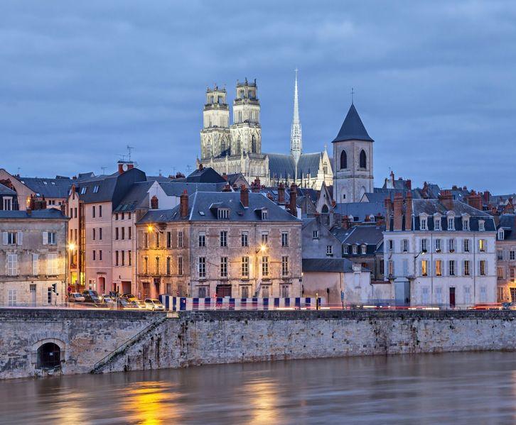 team building challenge: Orléans -ville-jeux de piste-Blue-Ouest-Animations